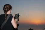 חיה רוקין, להרוג את השמש , שלוש יריות שלוש דקות בשקיעה, מתוךוידאו
